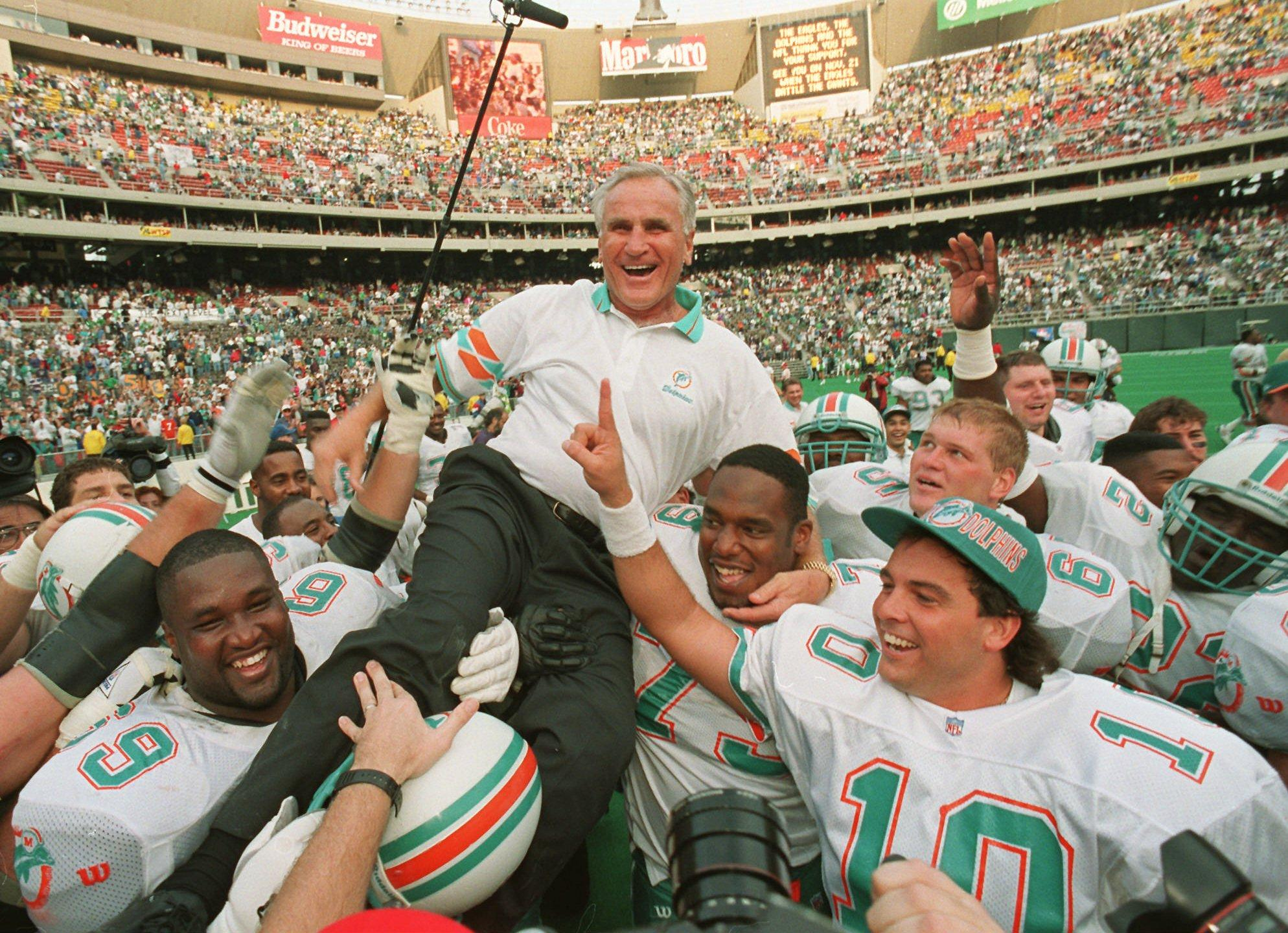 https://sportstalkflorida.com/wp-content/uploads/2014/01/Don-Shula-1.jpg