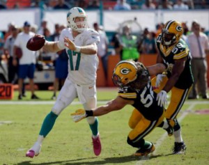 Packers_Dolphins_Tannehill_2014