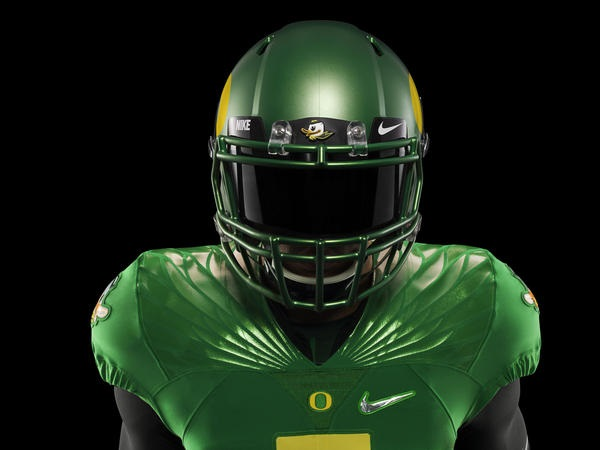 Nike has unveiled the uniforms for all the college football playoff teams. 1838f5b45
