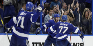Tampa Bay Lightning Rally Over Flyers