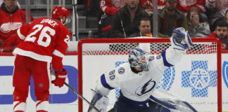 Tampa Bay Lightning Defeat Red Wings