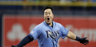 Choi Gets Walk-Off Hit