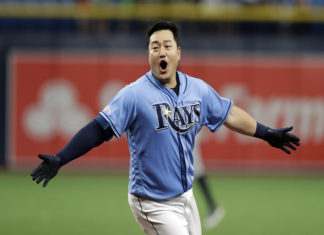 Choi Gets Walk-Off Hit