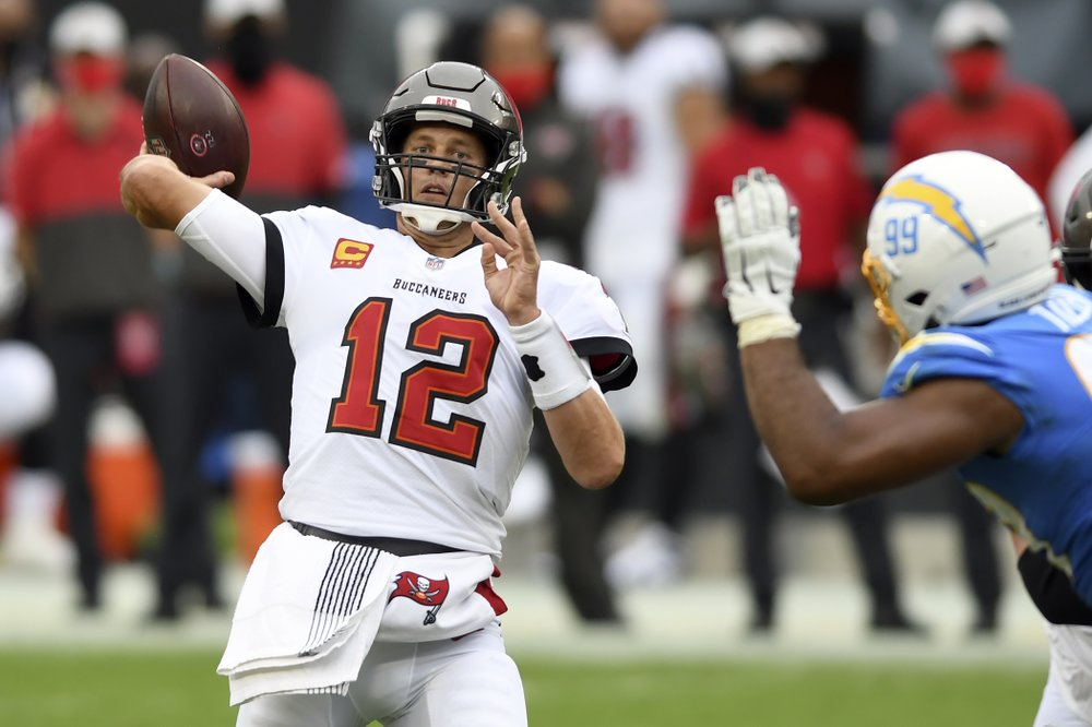 Thursday Night Football Nfl Offensive Player Of The Week Tom Brady Wants To Keep The Bucs Rolling In Chicago Sports Talk Florida N